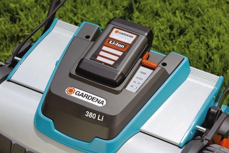 La Gardena 380 Li propose un affichage sur l'état de sabatterie